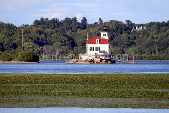 Town of Esopus Lighthouse in Summer 3