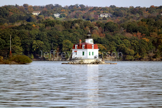 Town of Esopus Lighthouse in Fall